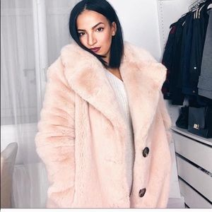 ZARA FAUX FUR PINK COAT BLOGGERS FAVORITE NEW